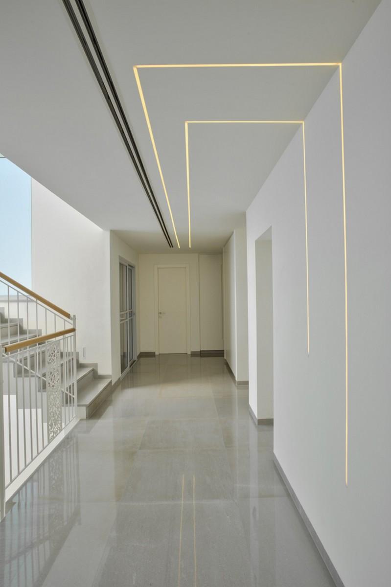 תעלות תאורה שקועות בקיר ובתקרה ריקי גרוזמן
