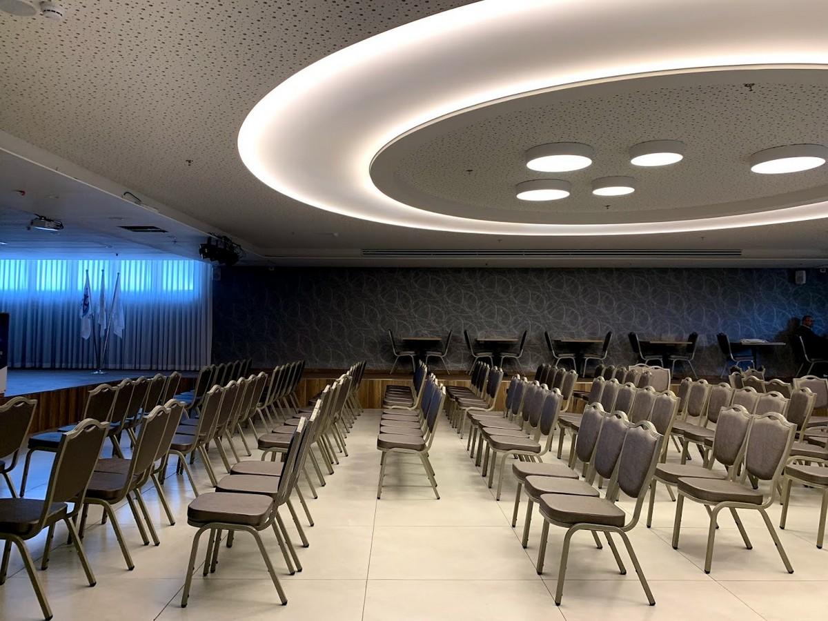 אדריכלות ועיצוב בתי מלון ריקי גרוזמן