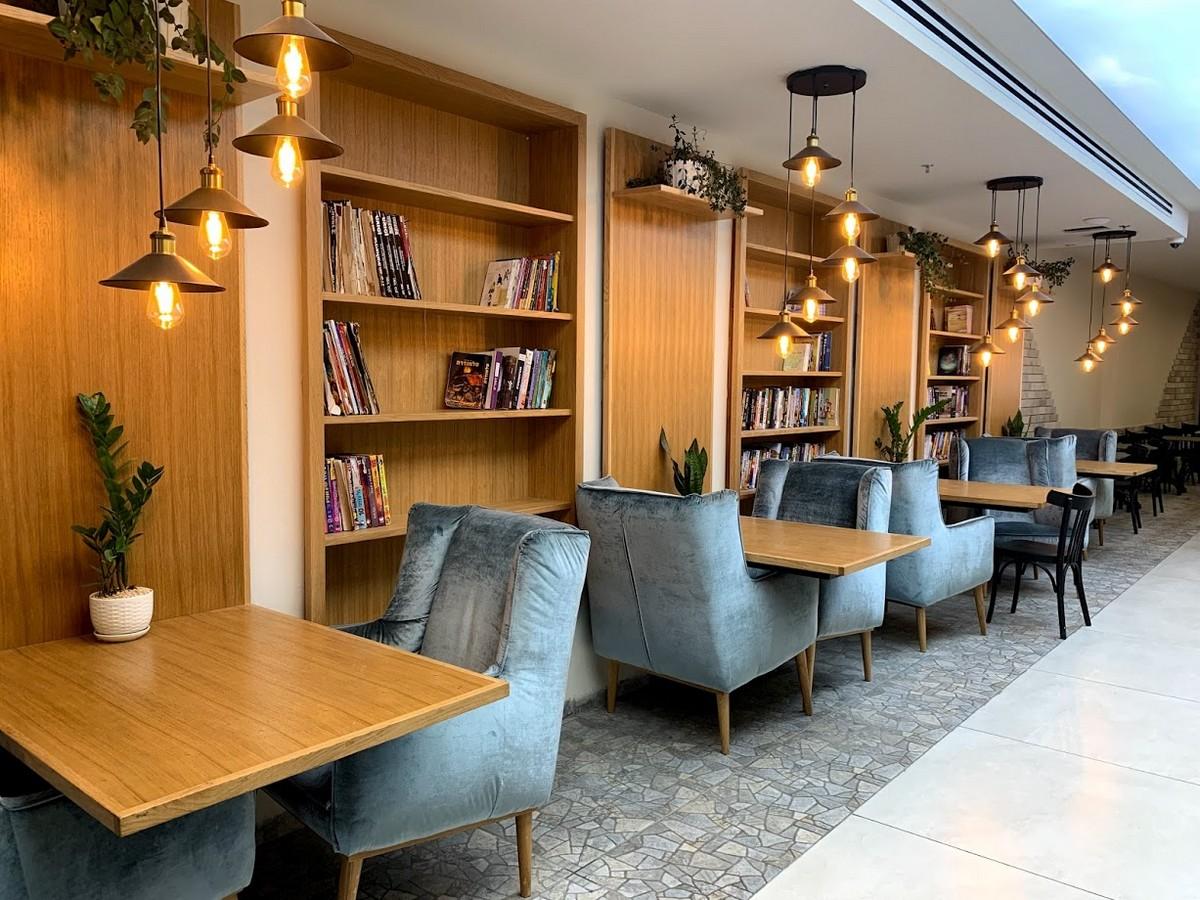 לובי במלון אדריכלות ועיצוב בתי מלון ריקי גרוזמן